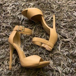 Beautiful nude Steve Madden heels